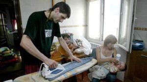tareas de cuidado en el hogar