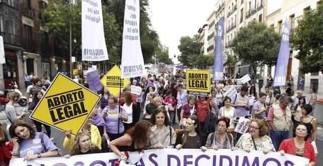 El PSOE despliega una ofensiva para frenar 'in extremis' la ley del aborto