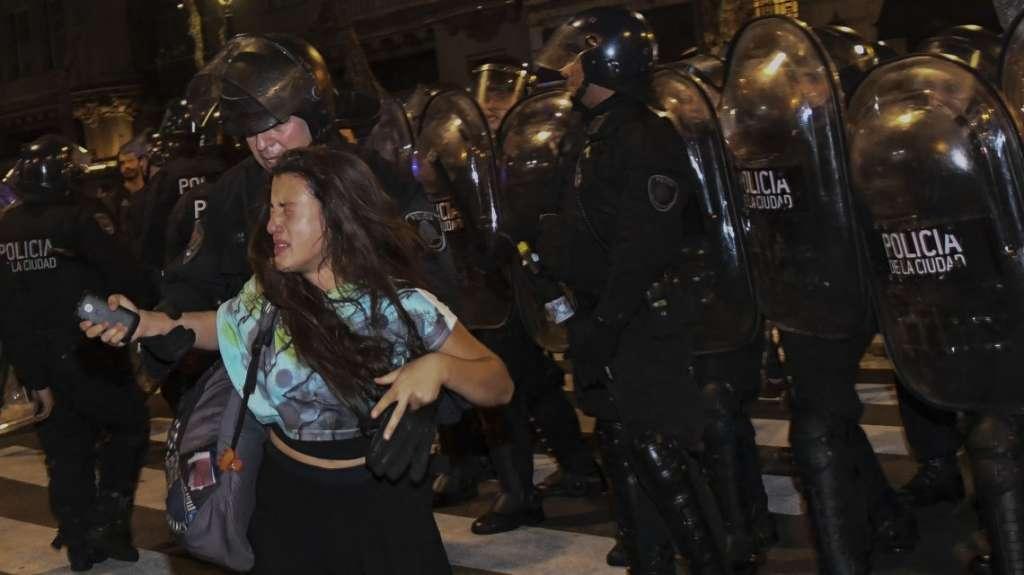 policía mujeres sexo en santiago